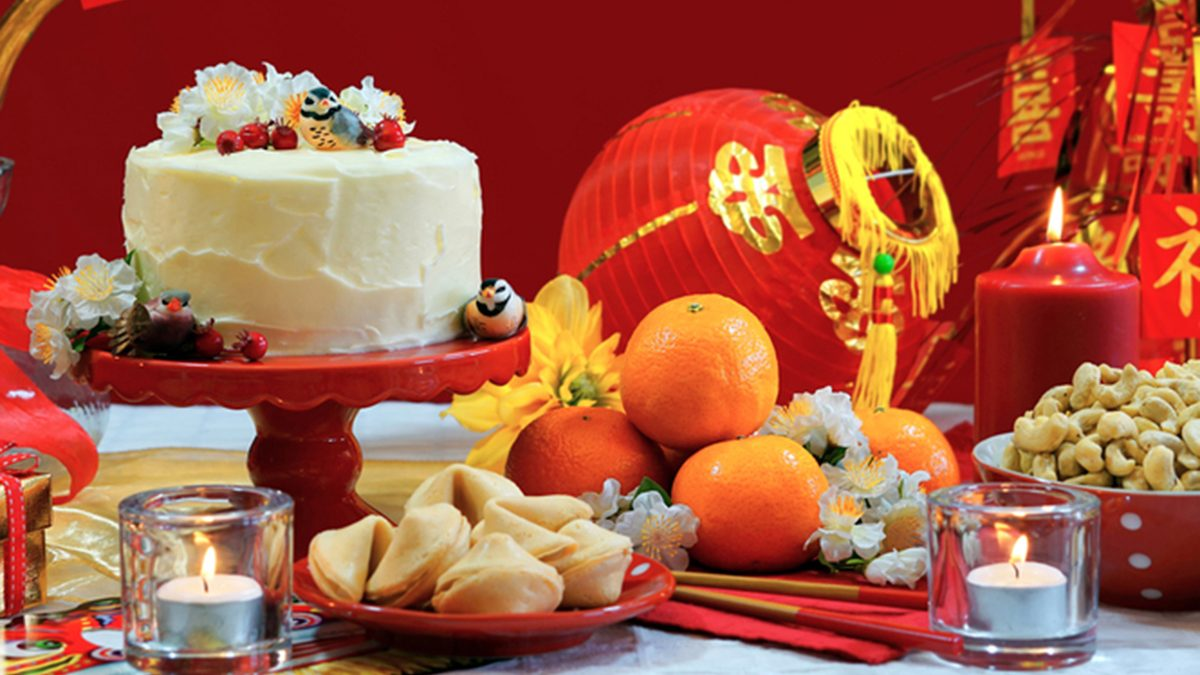 the delicious foods and decorations for Chinese New Year