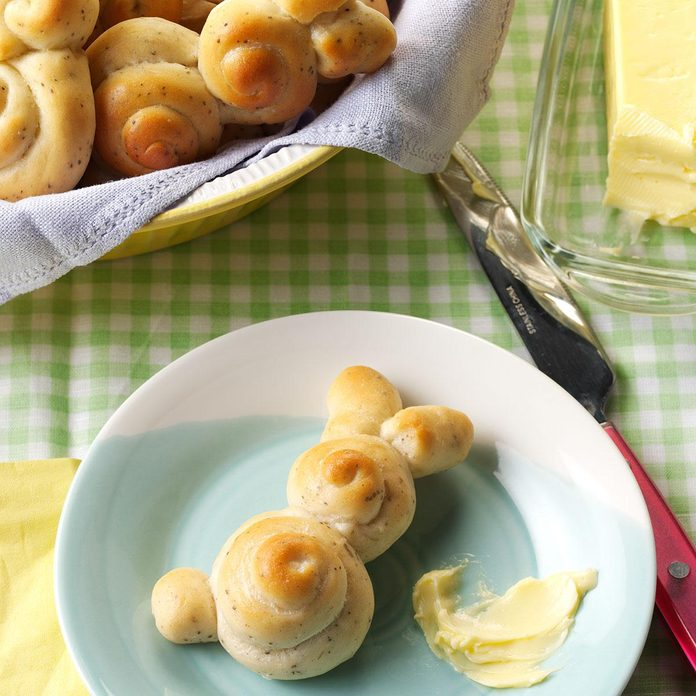 Spring Easter Lunch: Easter Bunny Rolls