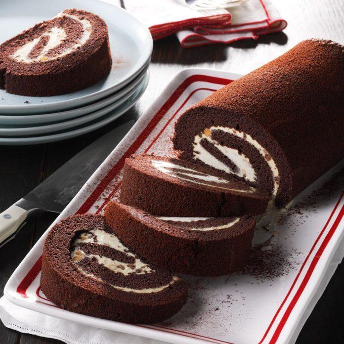 Peanut Butter-Chocolate Cake Rolls