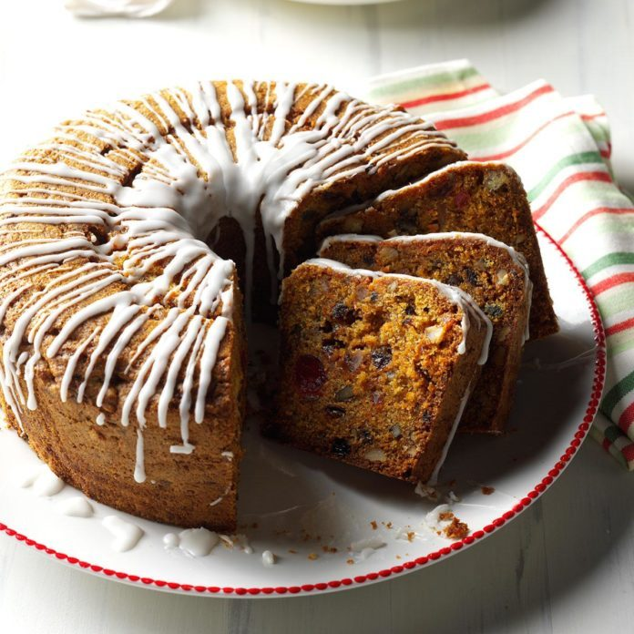 Alabama: Carrot Fruitcake