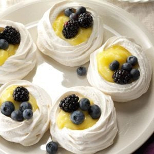 Meringue Shells with Lemon Curd