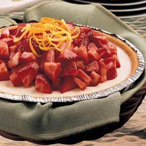 Strawberry-Topped Yogurt Pie