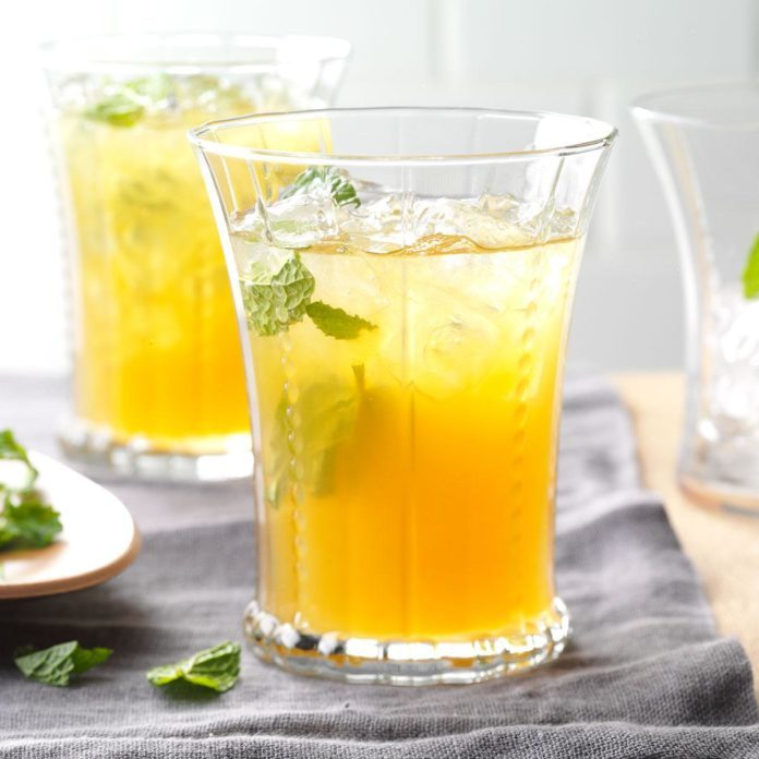 Glasses of Apricot Lemonade Iced Tea