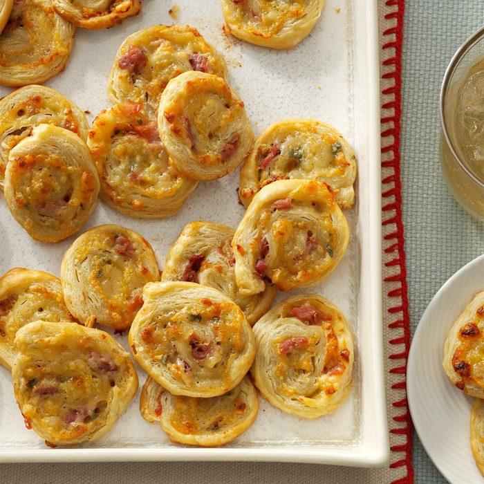 easy thanksgiving appetizers - sage pinwheels