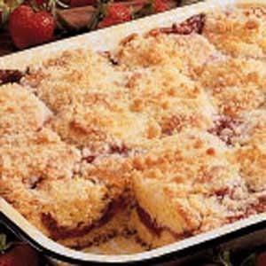 Rhubarb Strawberry Coffee Cake