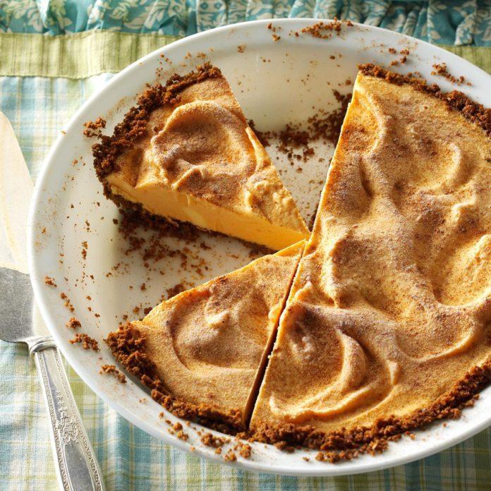 Pumpkin Gingersnap Ice Cream Pie