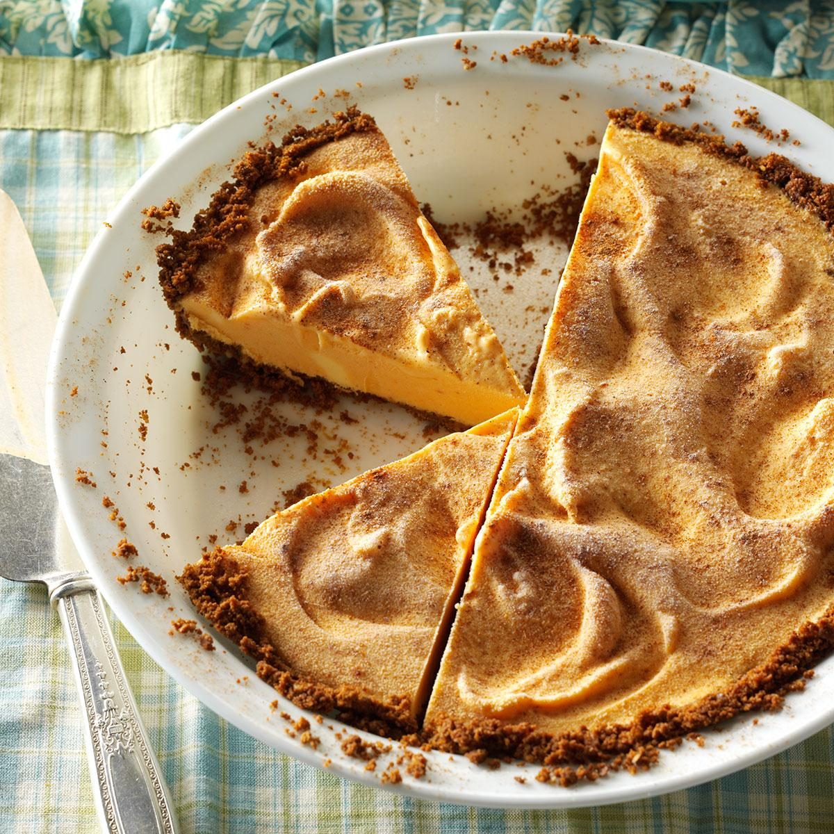 Pumpkin Gingersnap Ice Cream Pie