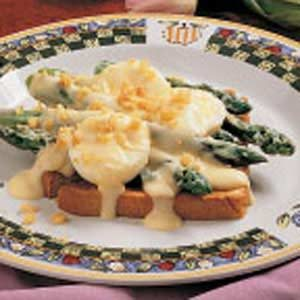 Creamy Asparagus on Toast