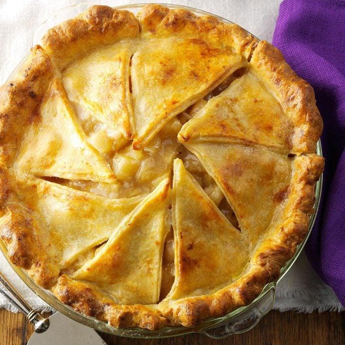 Massachusetts: Apple Pie with Cheddar Crust