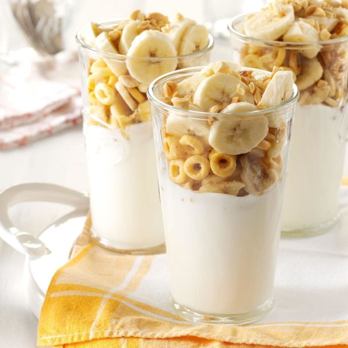 Peanut Butter-Banana Yogurt Parfaits