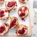 Turkey-Cranberry Bagels