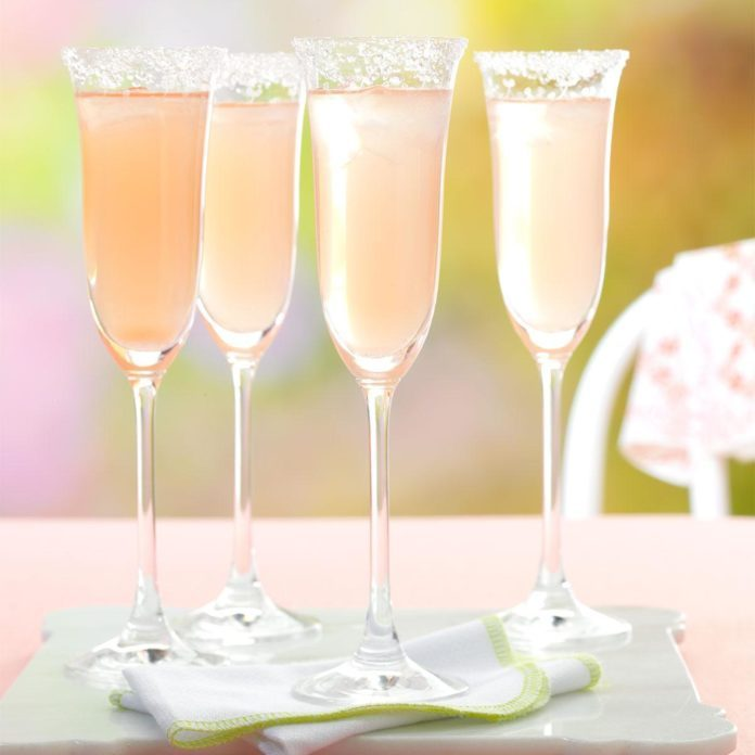 Ginger-Grapefruit Fizz