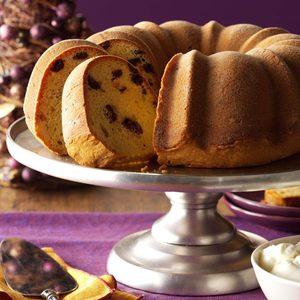 Holiday Cranberry Eggnog Cake