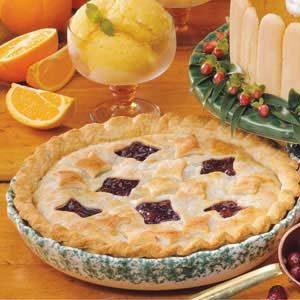 Flakey Cranberry Raisin Pie