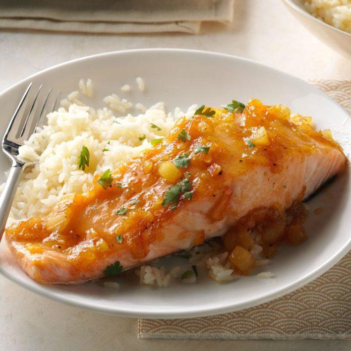 Hoisin-Pineapple Salmon
