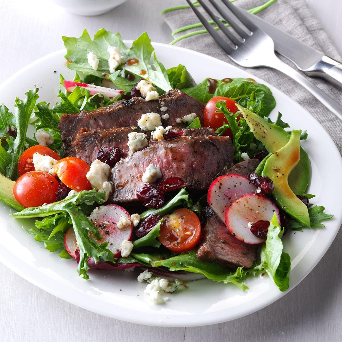 Inspired by: Texas Roadhouse's Steakhouse Filet Salad