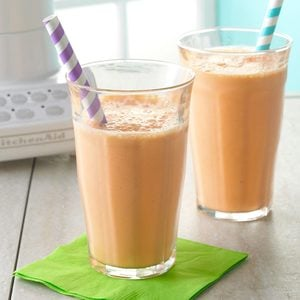 Strawberry-Carrot Smoothies