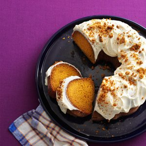 Gingersnap Pumpkin Cake