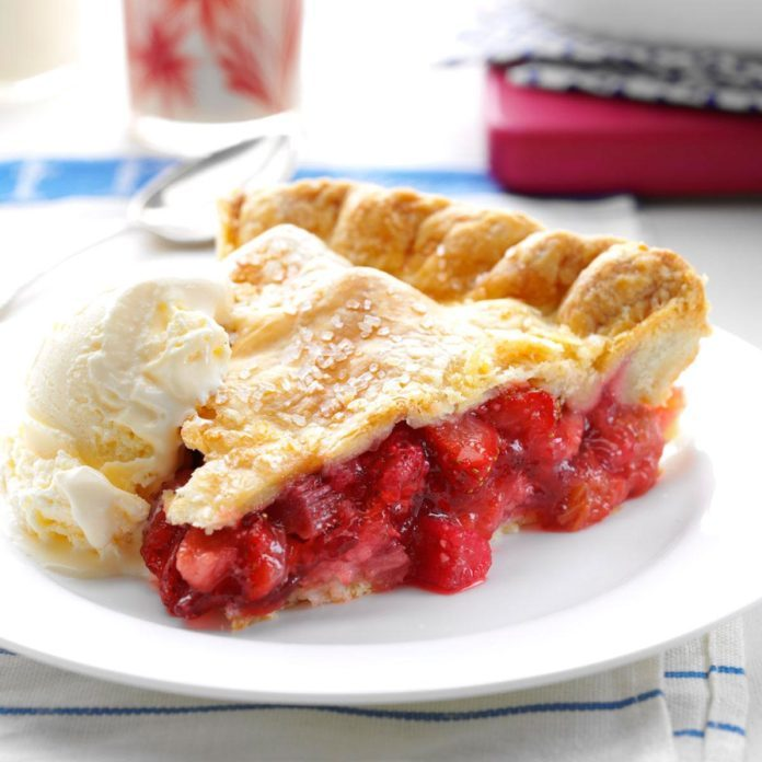 Winning Rhubarb-Strawberry Pie