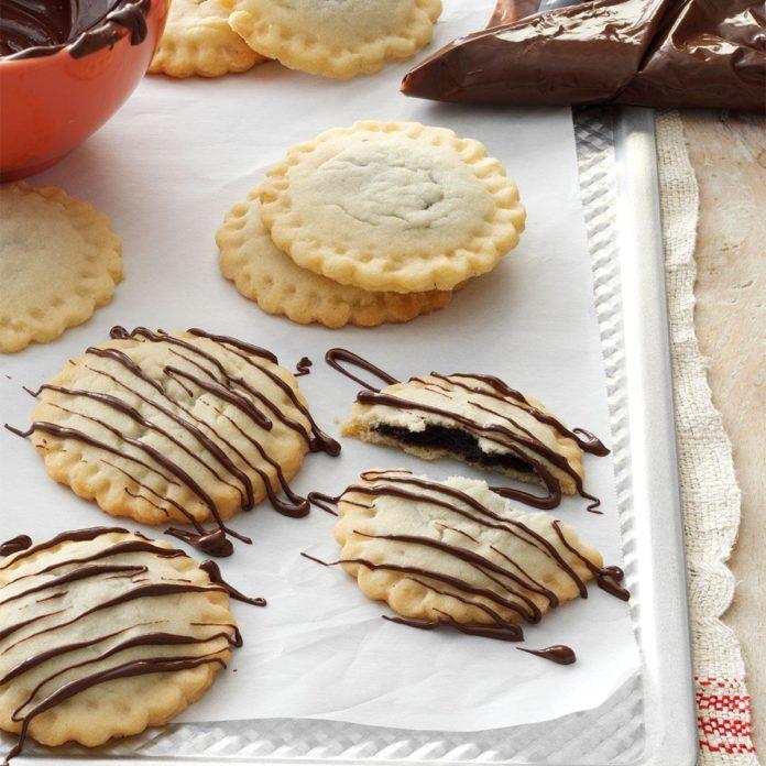 Chocolate-Drizzled Ravioli Cookies