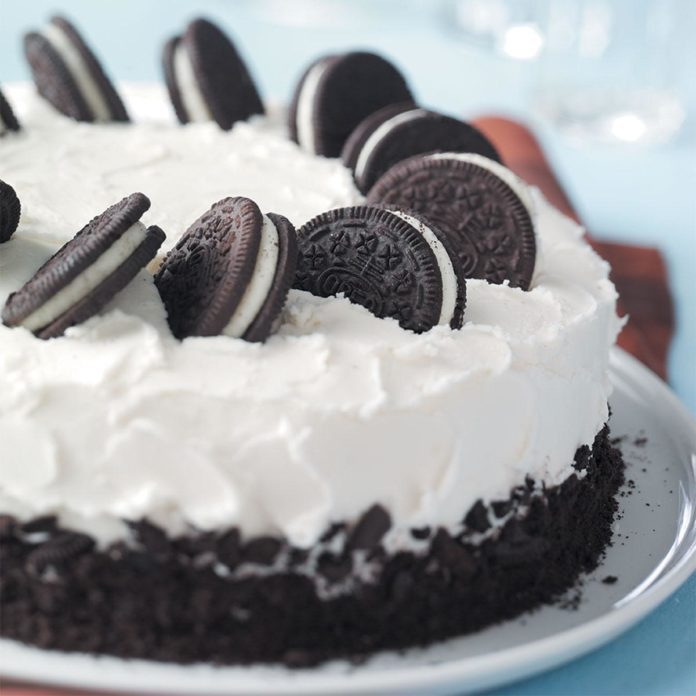 Kansas: Cookies-and-Cream Cake
