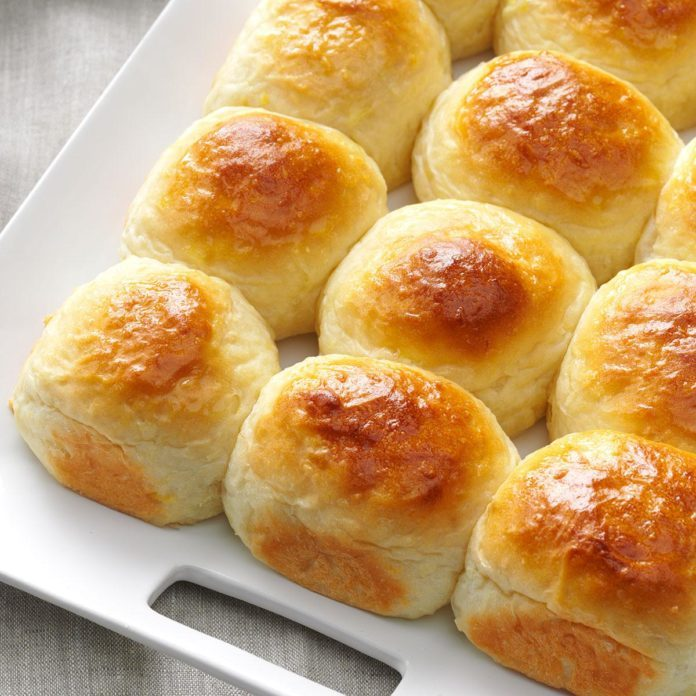 Hawaiian Dinner Rolls
