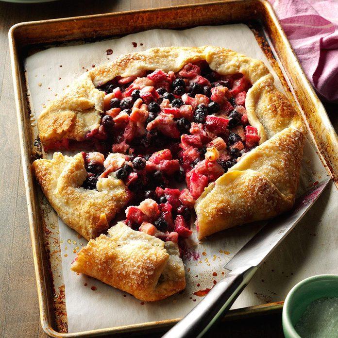 Alaska: Blueberry Rhubarb Pie