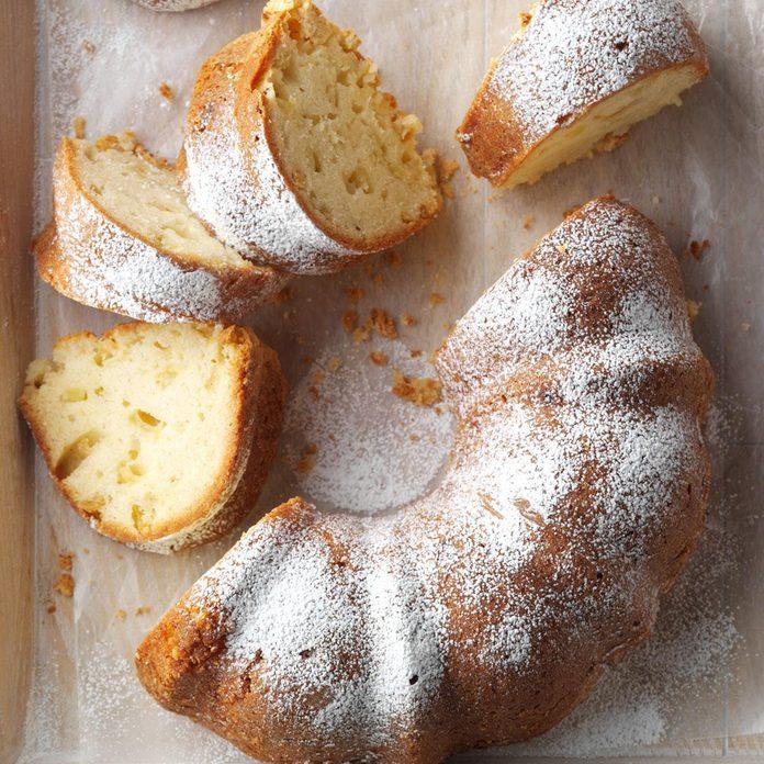 Aunt Lou's Fresh Apple Cake