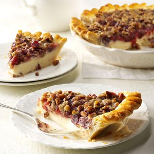 Cranberry Cheese Crumb Pie