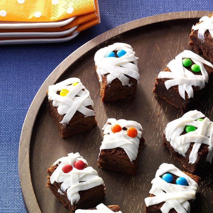 Spooky Snack: Mummy Brownies