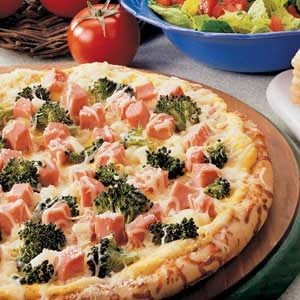 Ham 'n' Broccoli Pizza
