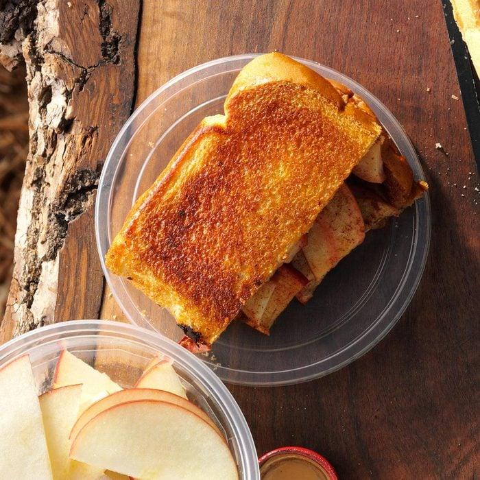 Apple-Cinnamon Pudgy Pie