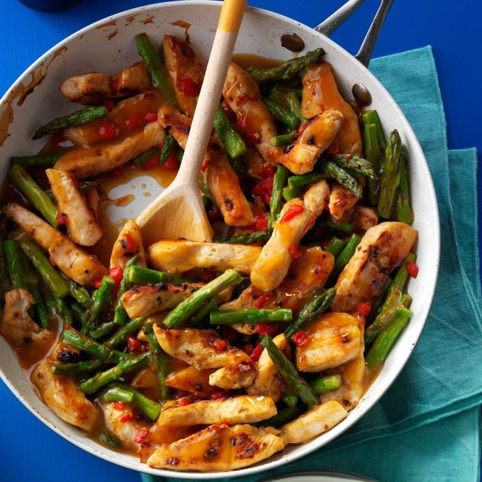 Day 19: Asparagus Turkey Stir-Fry