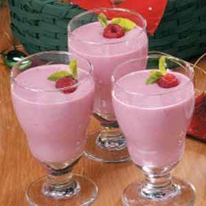 Raspberry Cream Smoothies