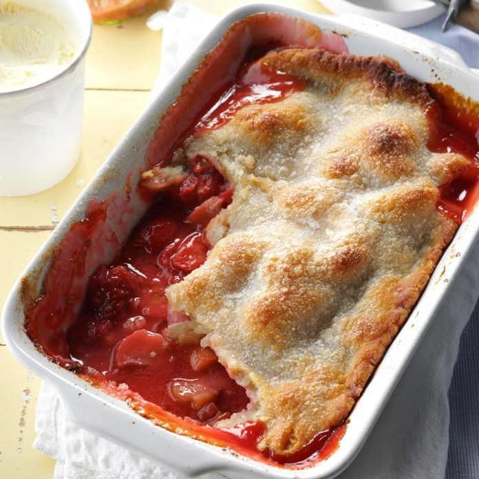Rhubarb Strawberry Cobbler
