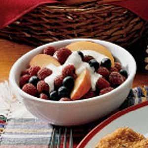 Fresh Fruit With Vanilla Cream