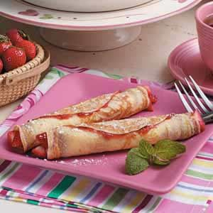 Strawberry Crepe Roll-Ups