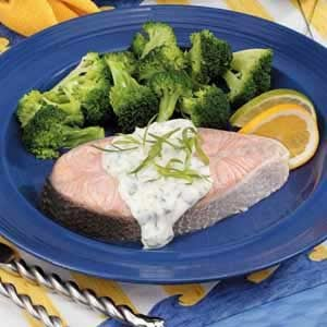 Poached Salmon with Tarragon Sauce