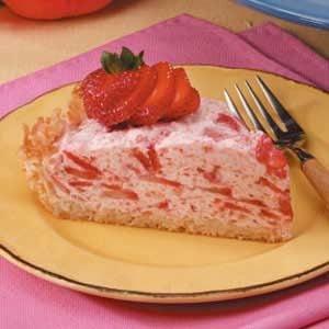 Bavarian Strawberry Pie