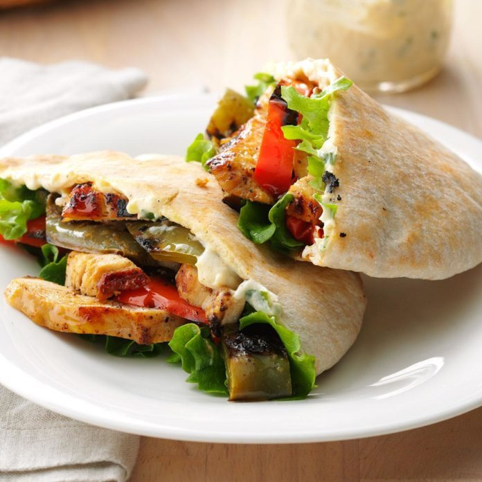 Inspired by: Chicken Fajita Rollup at Applebee's