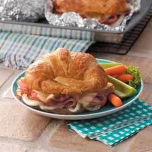 Baked Ham 'n' Cheese Croissants