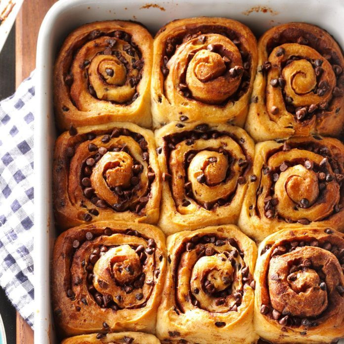 Chocolate Chip Caramel Rolls