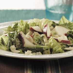 Quick Blue Cheese Pear Salad