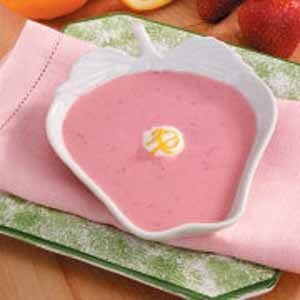 Chilled Strawberry Yogurt Soup