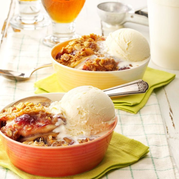 Cranberry-Apple Walnut Crisp