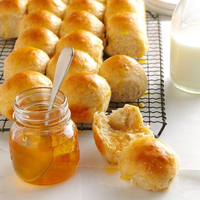 Honey-Oat Pan Rolls