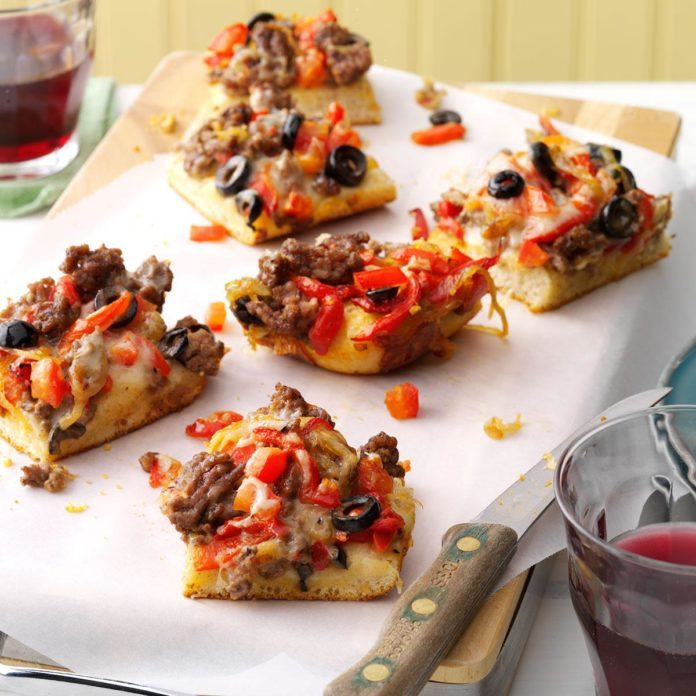 Christmas Pizza Squares