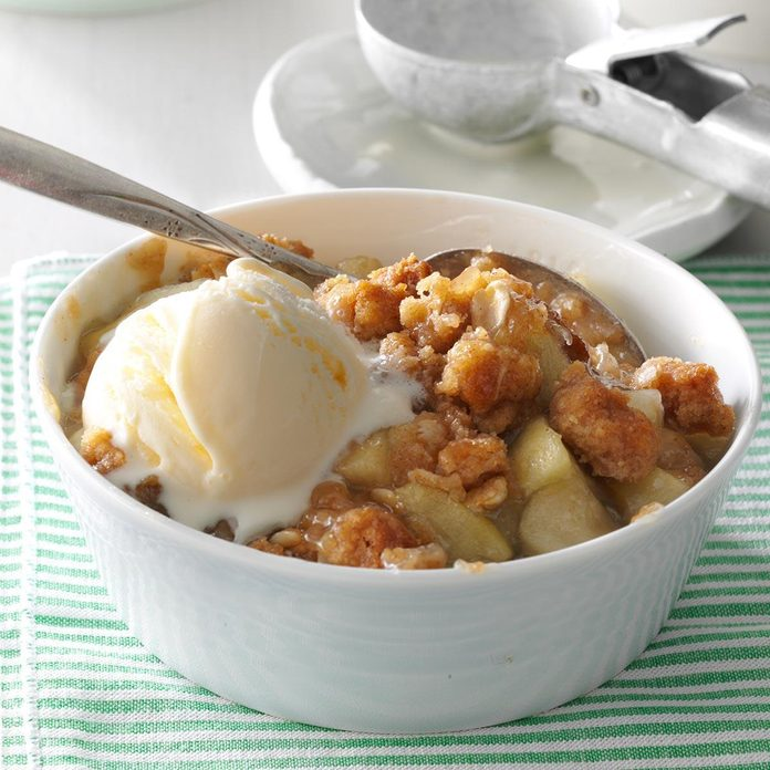 Inspired by: Country Kitchen's Old Fashioned Apple Crisp