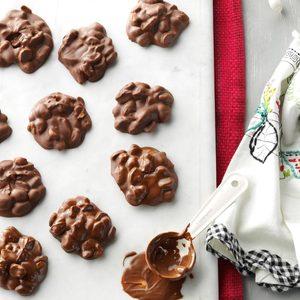 Chocolaty Peanut Clusters