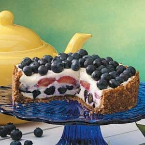 Gingersnap Berry Dessert
